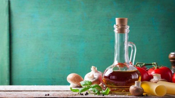 Оливковое масло содержит омега-3-ненасыщенные жирные кислоты Фото: valeria_aksakova / Freepik