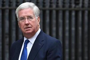 Известна настоящая причина отставки главы Минобороны Британии - СМИ