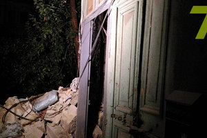 В Одессе обрушились стена и арка двухэтажного жилого дома