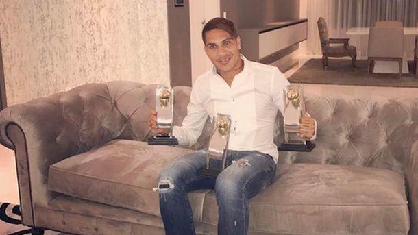 ФИФА отстранила футболиста сборной Перу Герреро на30 дней задопинг