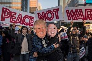 Несколько тысяч человек в Южной Корее вышли на акцию протеста накануне визита Трампа