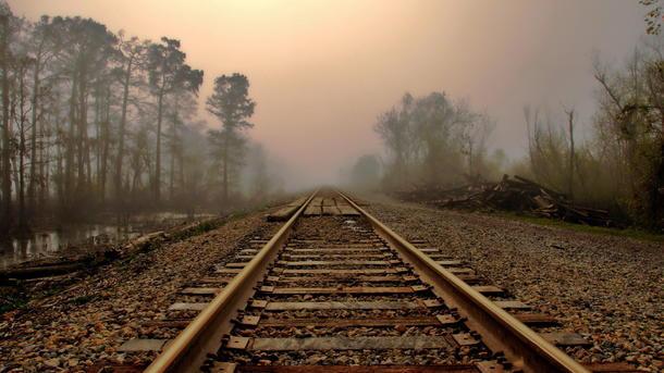 ВХарьковской области поезд насмерть сбил женщину