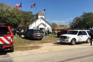 При стрельбе в техасской церкви погибли почти 30 человек