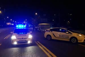 В Киеве пешеход-нарушитель погиб под колесами авто над подземным переходом
