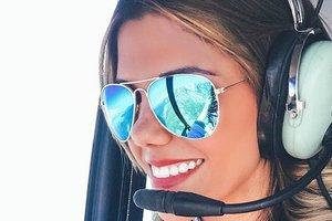 ТОП-6 самых горячих девушек-пилотов, покоривших не только небо, но и Instagram