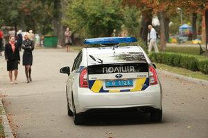 В Киеве женщина вызвала полицию из-за поцелуев незнакомой парочки