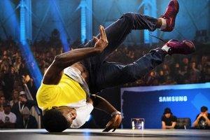 """Как в """"битвах"""" выбирали лучшего танцора брейк-данса в мире"""