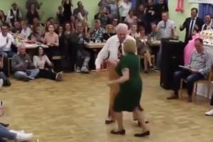 """Танцующие пенсионеры """"взорвали"""" сеть"""