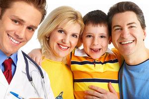 Медреформа: одесситы массово оформляют договоры с семейными врачами