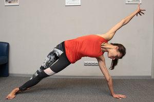 Как вернуть телу баланс и снова наполнить мускулы силой: комплекс упражнений