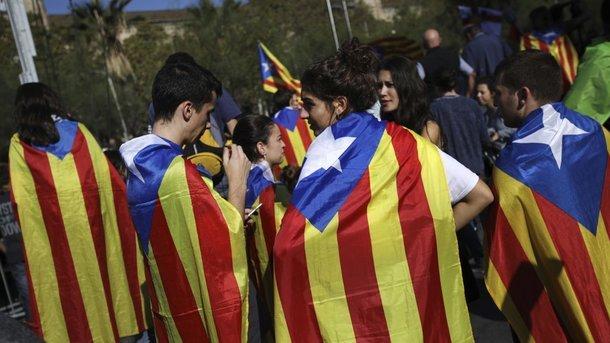 Суд Испании отменил независимость Каталонии
