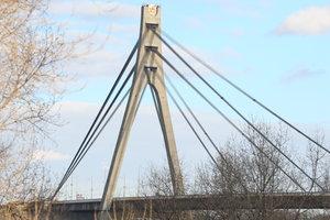 В выходные в Киеве снова ограничат движение на двух мостах