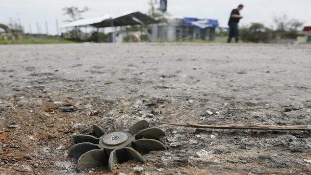 Штаб АТО: Боевики лупили изтяжелого вооружения, ранен украинский боец
