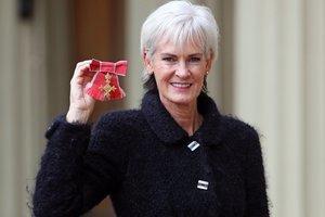 Мама Энди Маррея награждена Орденом Британской империи
