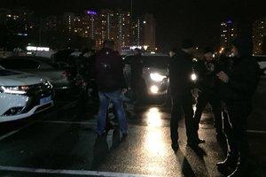 В Киеве полицейские обнаружили автомобиль со взрывчаткой