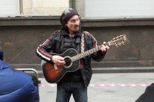 Сын Игоря Талькова задержан в Москве во время исполнения песен отца
