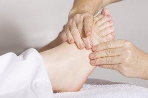 Врачи назвали главные причины боли в ногах
