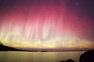 Дивовижної краси північне сяйво зняли на відео