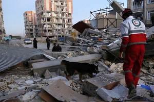 Число погибших в Иране от землетрясения возросло до 445 человек