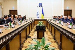Гройсман озвучил приоритеты Украины на 2018 год