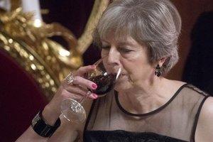МИД России предложил Мэй выпить крымского вина в ответ на ее слова об аннексии Крыма