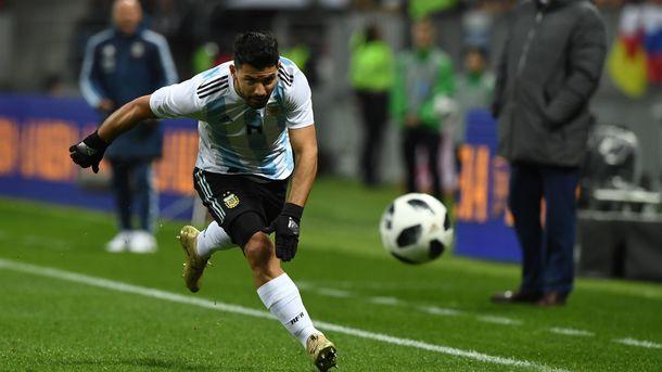 Агуэро упал вобморок вперерыве матча Аргентина