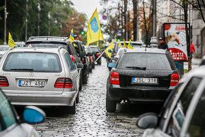 """Автомобилям на литовских номерах объявлена """"война"""": начнут отбирать"""