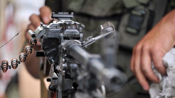 Боевики продолжают обстрелы. Фото: AFP
