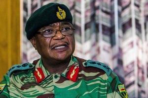 К столице Зимбабве движутся танки
