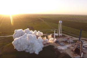Невероятное видео: SpaceX испытывает ракетные двигатели