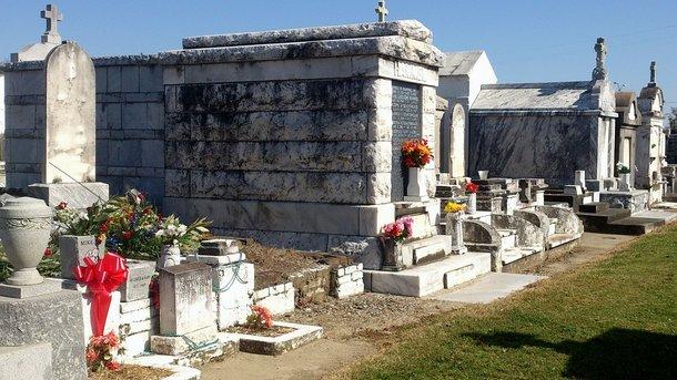 Появилось первое на планете многоэтажное подземное кладбище: уникальные фото