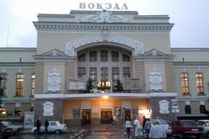 Во Львове из-за сообщения о взрывчатке с вокзала эвакуировали 400 человек