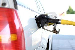 Цены на бензин в России взлетели до исторического рекорда