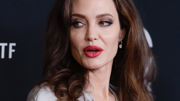 Анджелина Джоли поведала онасилии вГолливуде