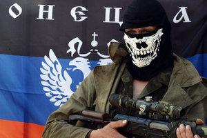 Боевики окапываются в оккупированной Горловке