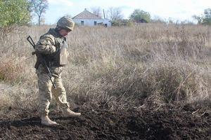 Под обстрелами боевиков на Донбассе погиб украинский боец, еще двое ранены