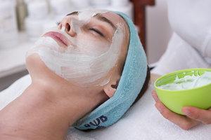 Опасные маски: шесть продуктов, которые нельзя наносить на лицо