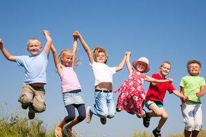 Приемные дети: родителям-опекунам предложили помощь