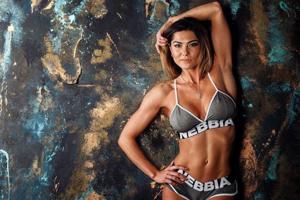 Фитнес-красавица Марина Андриенко стала абсолютной чемпионкой мира