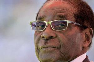 Названа причина свержения Мугабе в Зимбабве