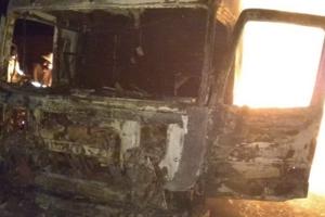 В Харьковской области на ходу загорелась фура