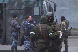 """Переворот в """"ЛНР"""": центр Луганска заблокировали вооруженные боевики"""