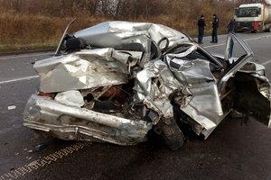 Столкновение авто в Ровенской области: погибла женщина, еще двое в больнице