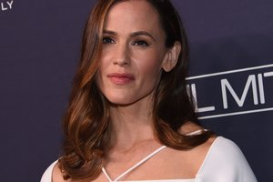 Jennifer garner told why not Dating anyone after breaking up with Ben Affleck