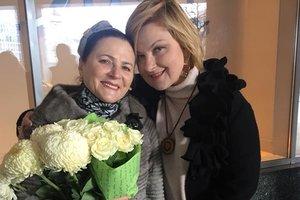 Ведущие и журналисты спели в дуэте вместе с украинскими звездами