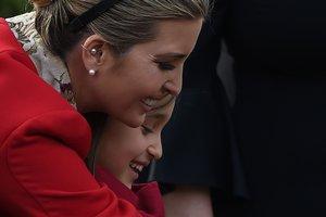 Иванка Трамп в мини за 1500 долларов затмила младшую сестру