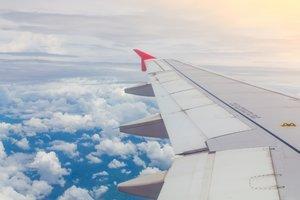 12 советов, которые помогут вам уснуть в самолете