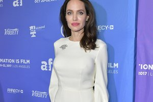 Angelina Jolie became interested in magic