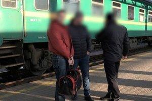 Преступники пытались переправить из Киева в Россию трех подростков для пересадки органов