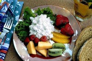 Какие продукты можно есть перед сном без вреда для фигуры